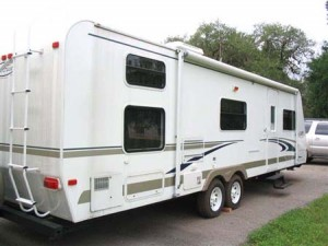 Steps for adjusting the brakes on camper trailers