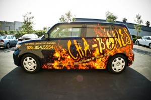 Użyj owijania samochodu winylu reklamować swój biznes